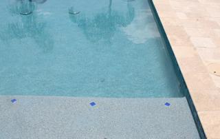 Kona Blue pool with baja shelf